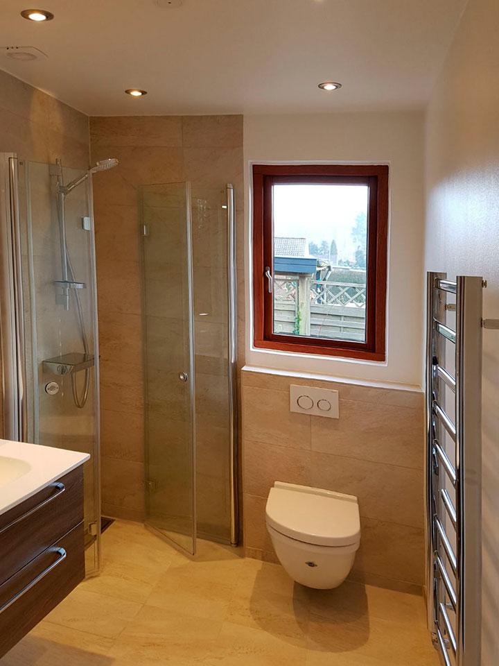 renovering af badeværelse toilet nyt