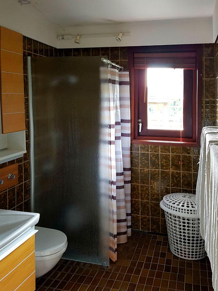 renovering af badeværelse gammelt toilet og bad